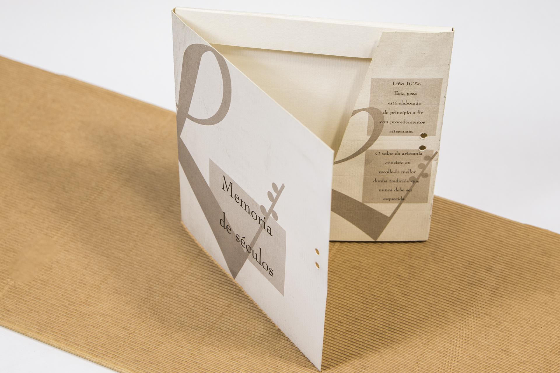Carpeta impresa a una tinta en imprenta de a Coruña
